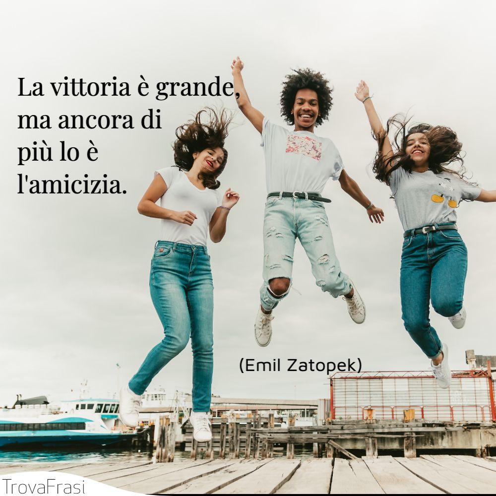 La vittoria è grande, ma ancora di più lo è l'amicizia.