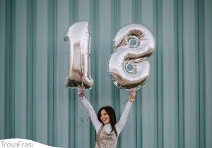 Le frasi per i 18 anni: il compleanno che porta all'età adulta