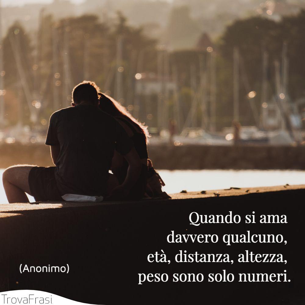 Frasi Sull Amore Non Ha Età.Frasi D Amore E Per Gli Eterni Innamorati Trovafrasi