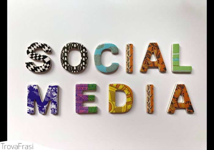 Frasi sui social network
